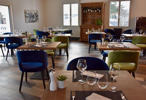 Notre salle de restaurant pour vos déjeuners d'affaire ou entre amis
